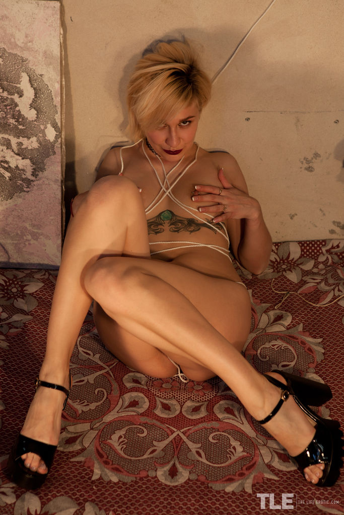 Simona A is feeling sexy and adventurous as she poses in lingerie and ropes.