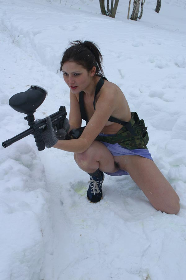 nude girl playing paintball