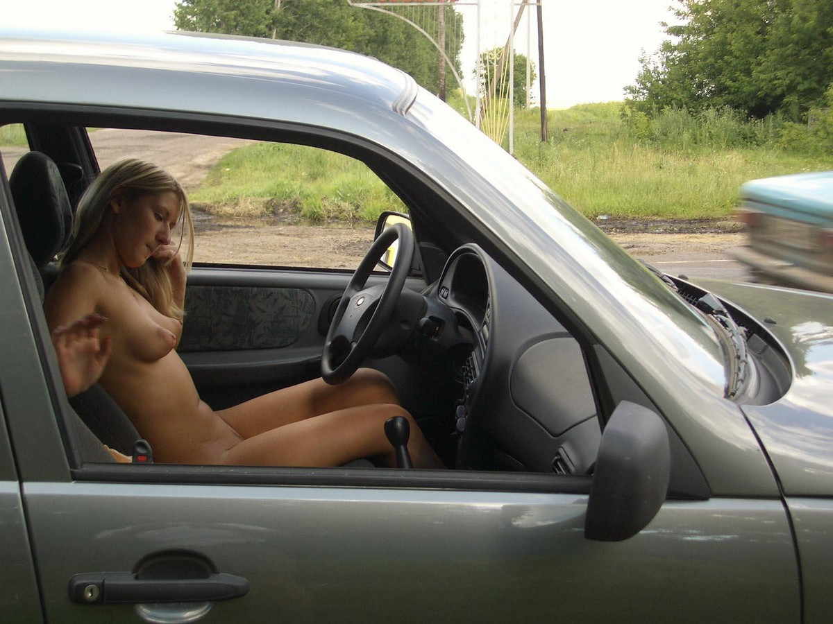 The naked girl broke down the car on the track | Russian ...