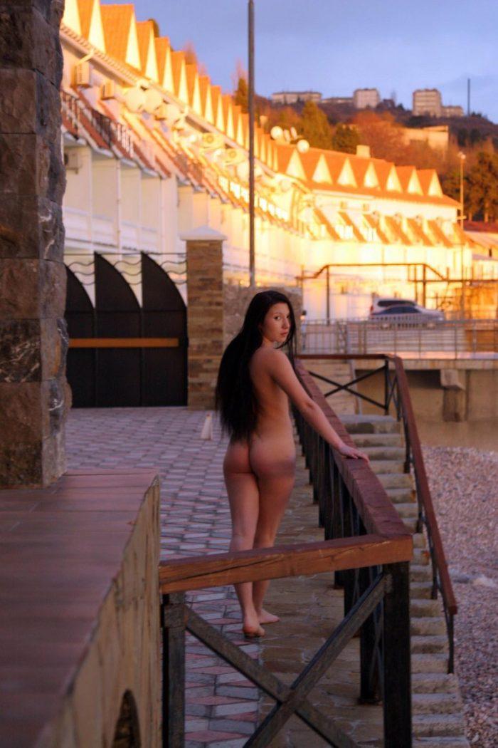 Beautiful photo shoot of Sveta O at sunset