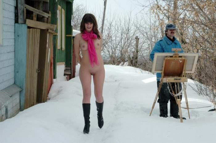 Nude girl corrupts the artist