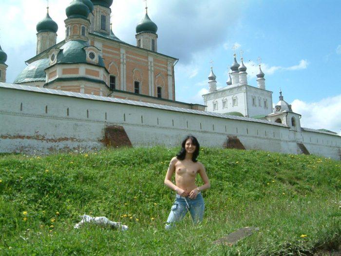 Russian girl Sirilla undresses outdoors