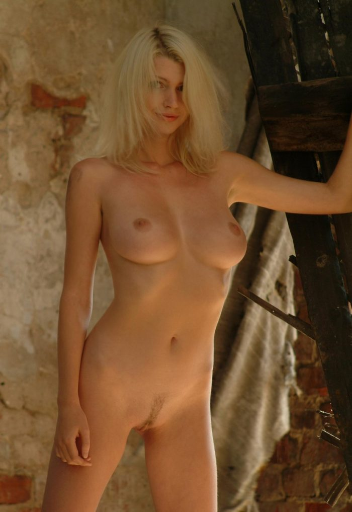 Sexiest Russian Blonde Posing Naked At Abandoned House -9380