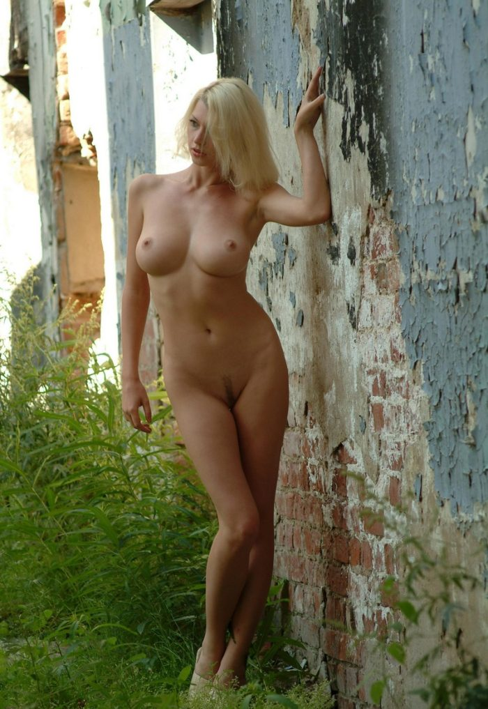 Sexiest Russian Blonde Posing Naked At Abandoned House -9615