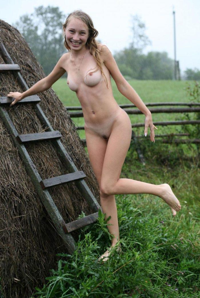 Naked girls p