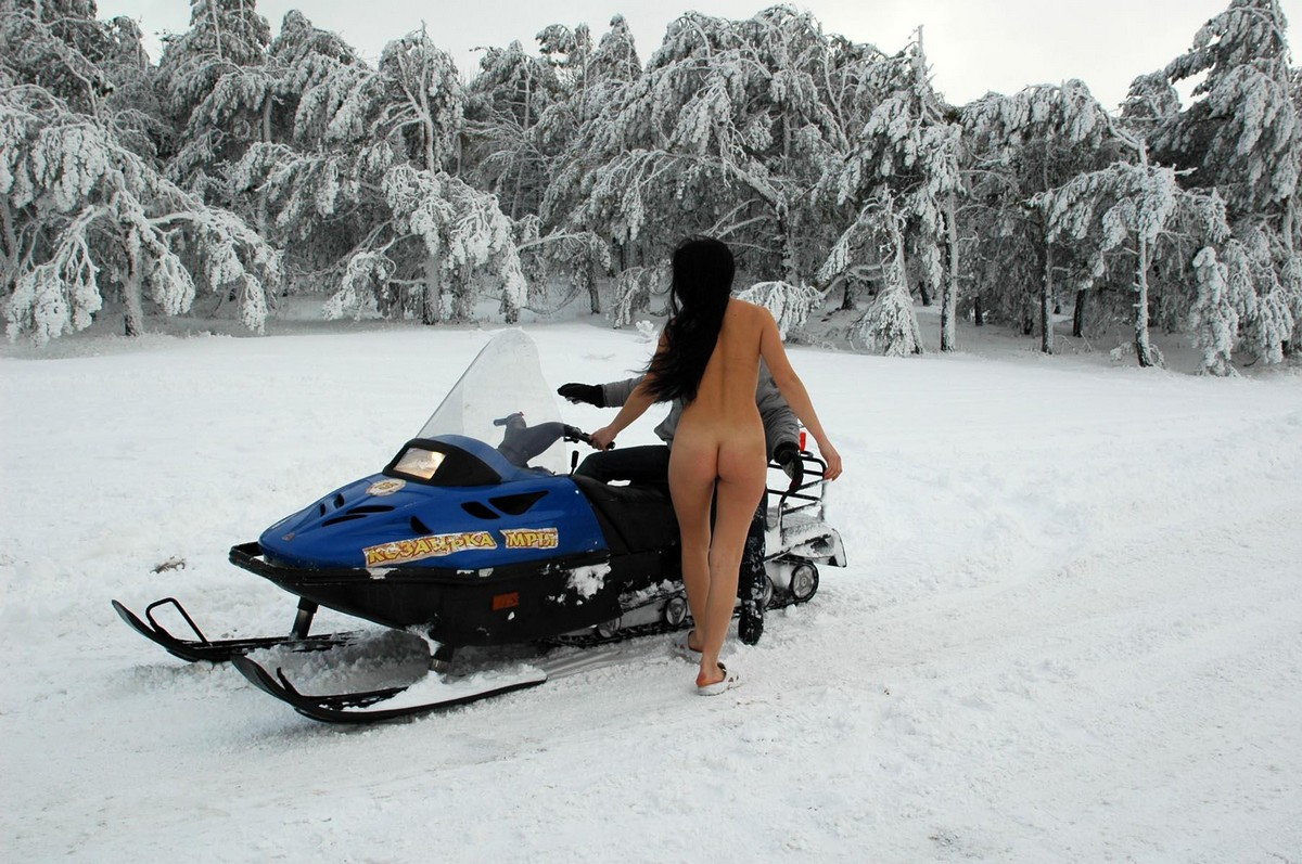 Free Bikini Snowmobile Pics