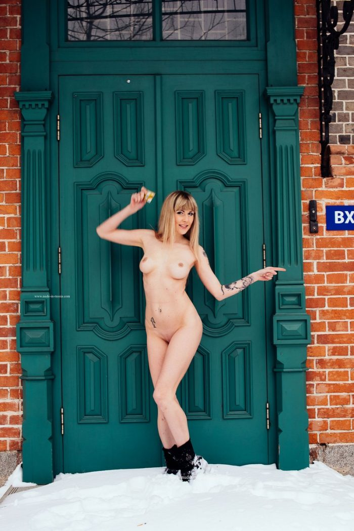 Blonde Stella goes to ATM naked