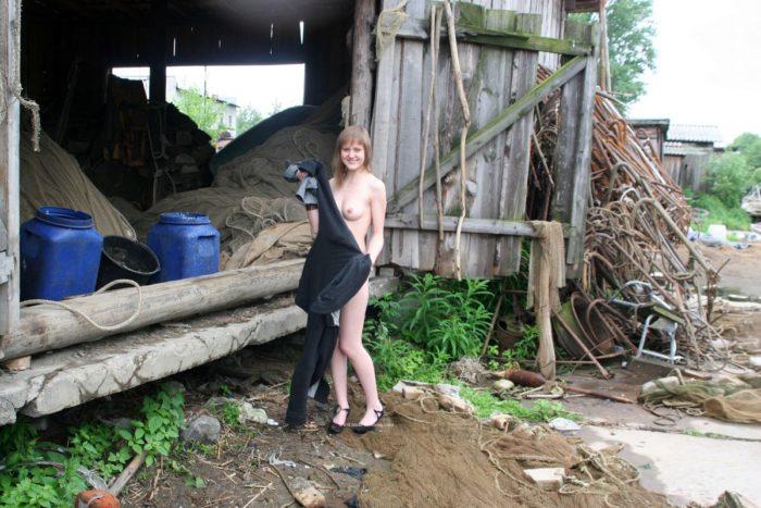 Naked Julia R at fisherman village