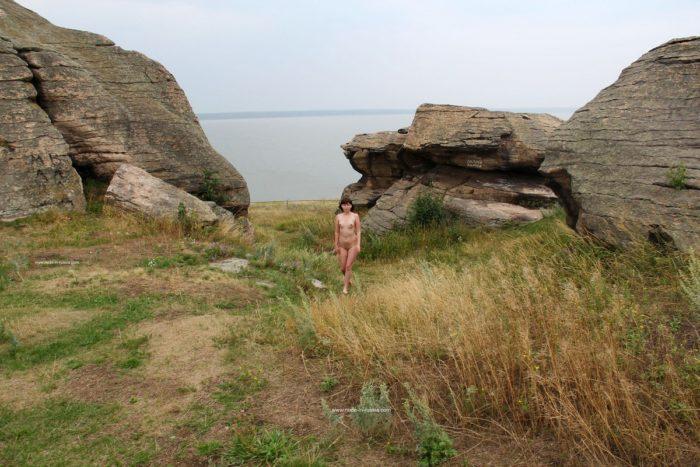 Russian girl Inga walks naked at touristic place