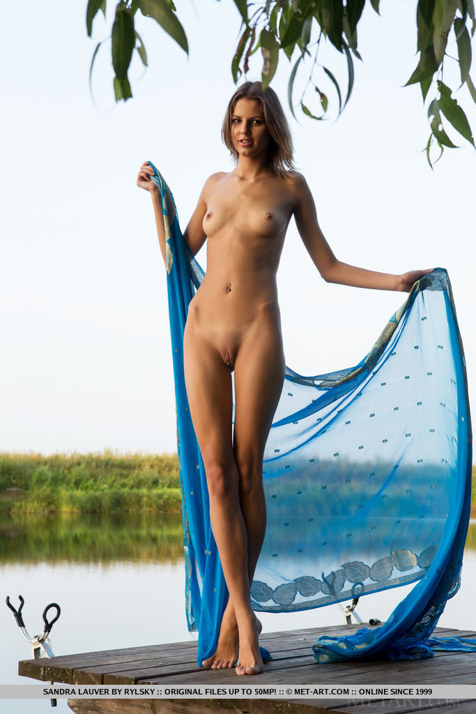 Sandra Lauver flaunts her perfect 10 body