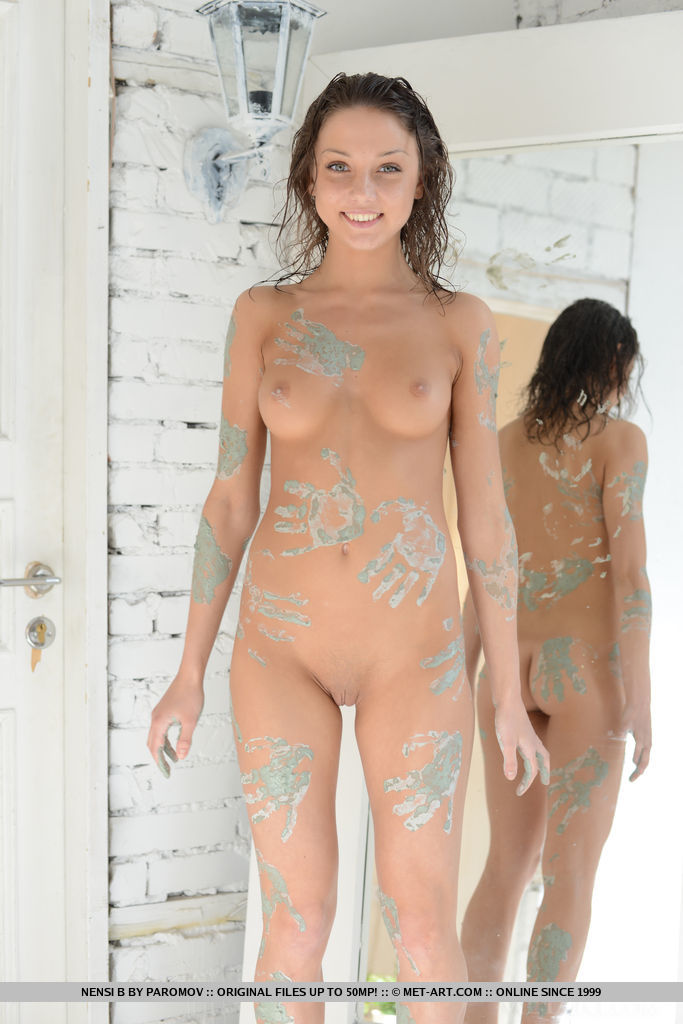 Nensi B gets creative and makes an artistic masterpiece using her naked body as a canvas.
